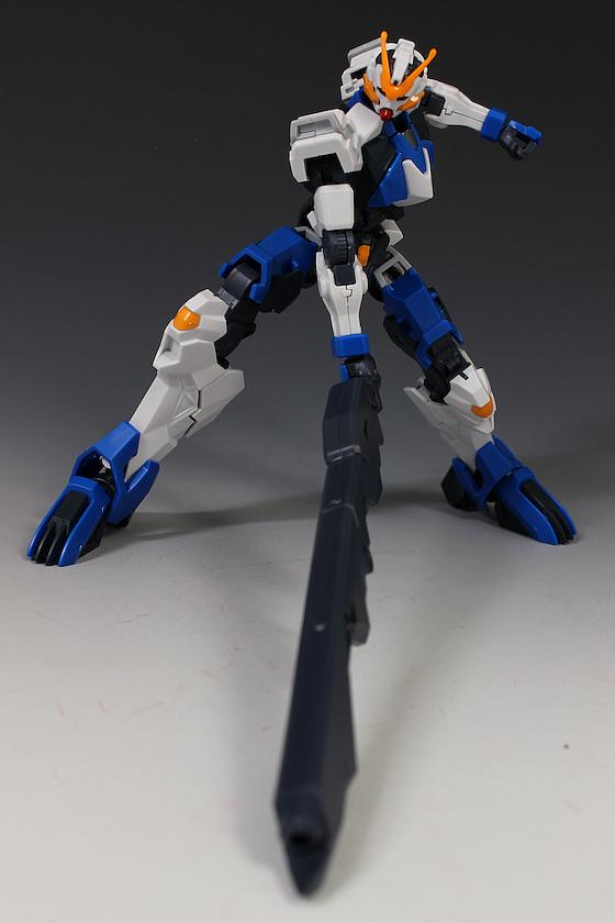 Đánh giá chi tiết mô hình Bandai Gundam HG IBO Dantalion (11)