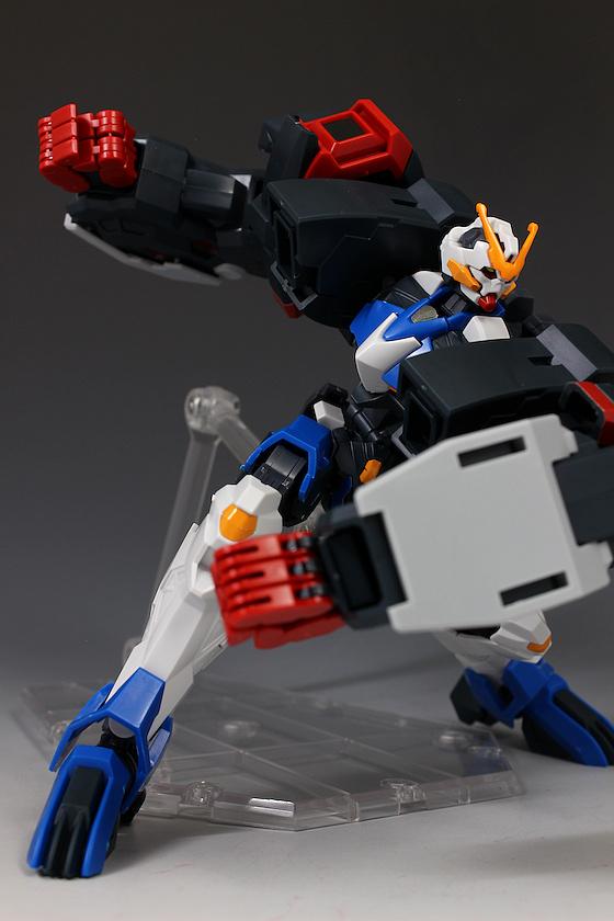 Đánh giá chi tiết mô hình Bandai Gundam HG IBO Dantalion (15)