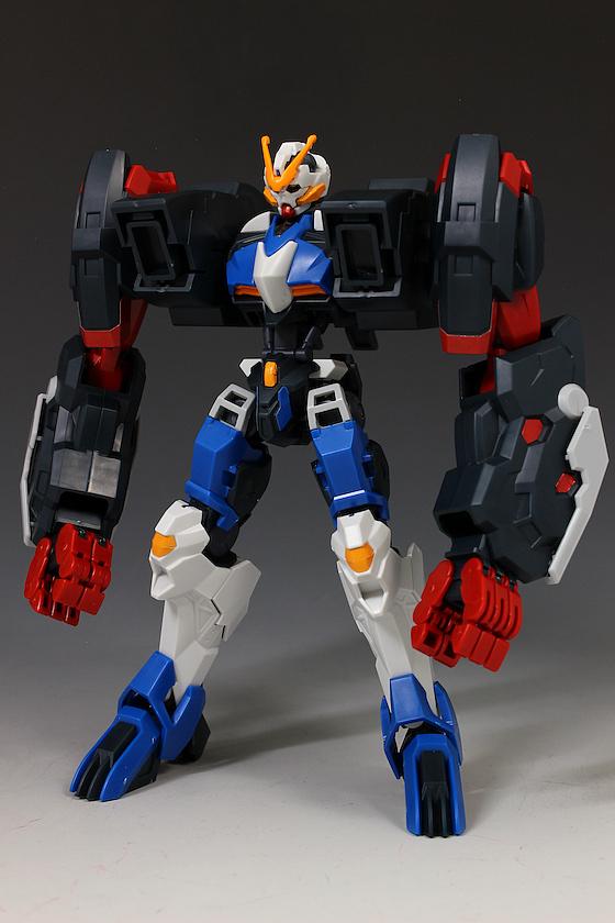 Đánh giá chi tiết mô hình Bandai Gundam HG IBO Dantalion (4)