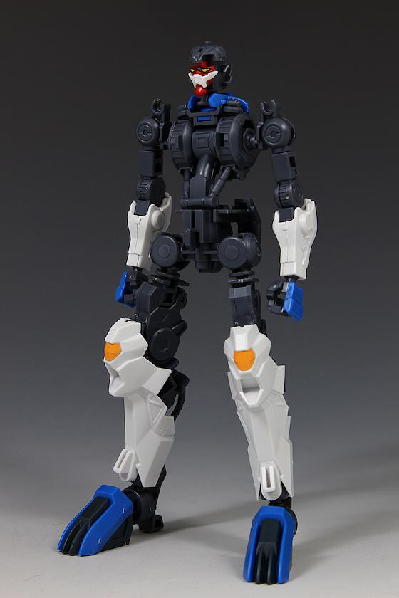 Đánh giá chi tiết mô hình Bandai Gundam HG IBO Dantalion (40)