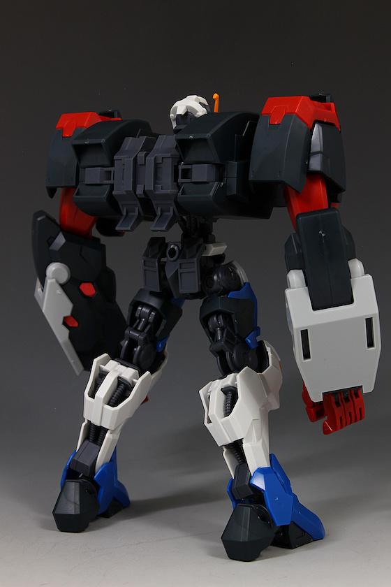 Đánh giá chi tiết mô hình Bandai Gundam HG IBO Dantalion (43)